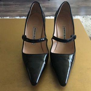 Manolo Blahnik patent leather pumps!
